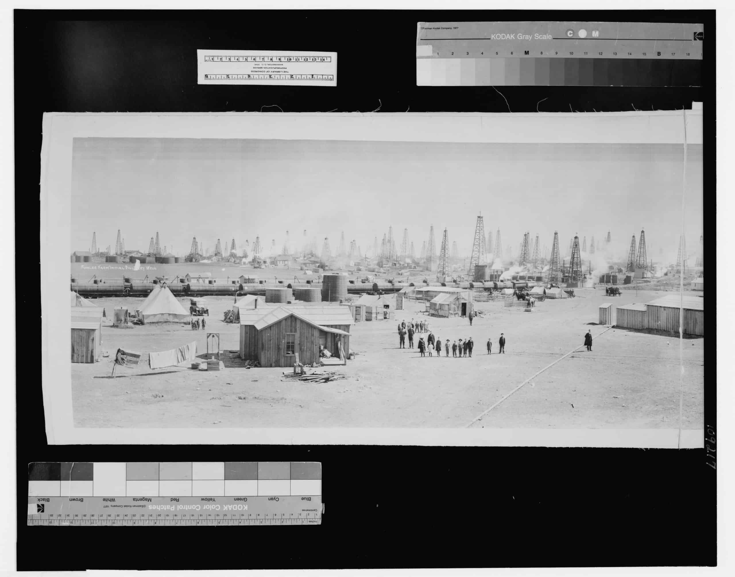 Burkburnett, Texas, the world's wonder oil pool, showing 8 months phenomenal development, viewed from the northwest side, opposite Fowler farm, original discovery well and swinging towards the northwest