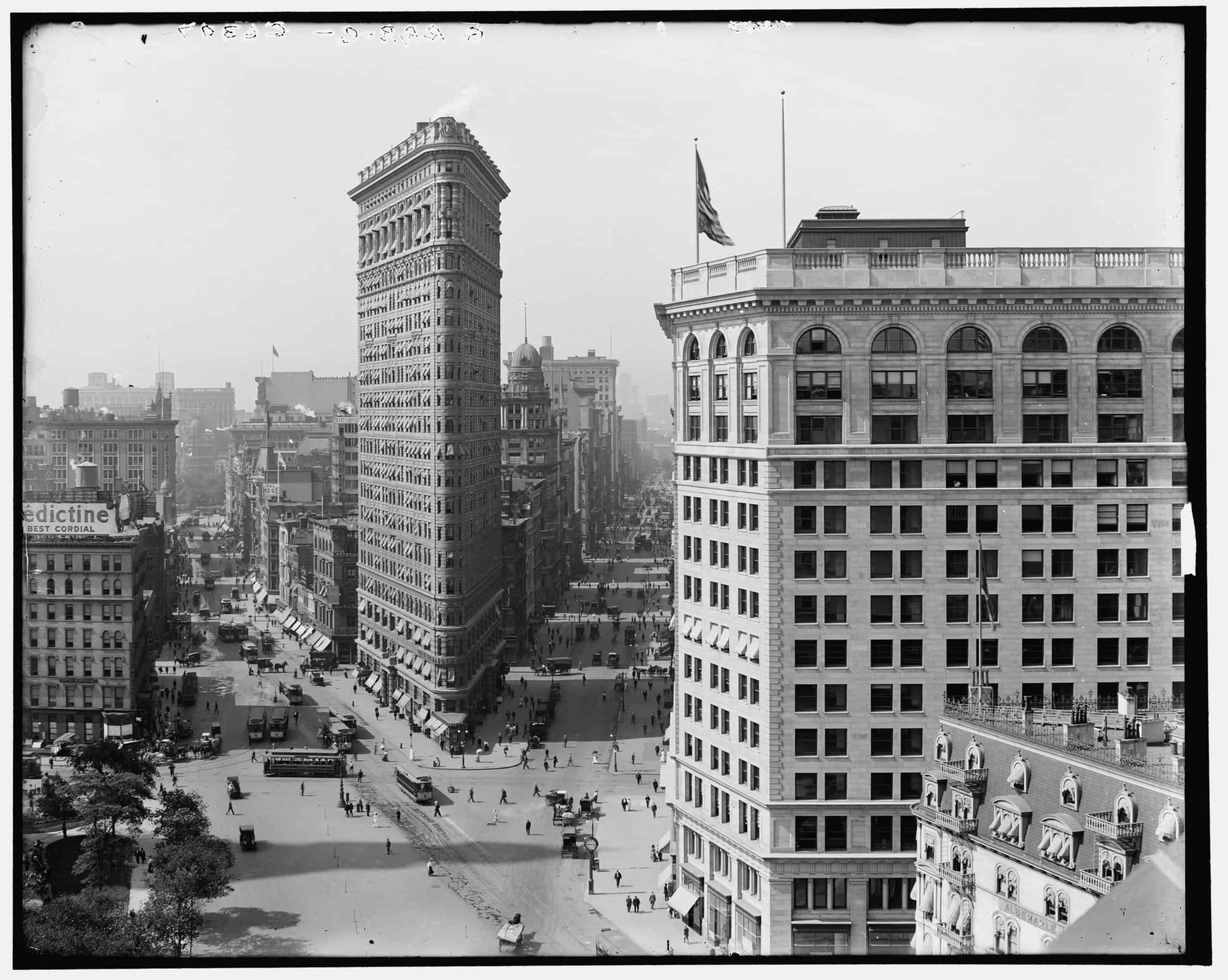 Panorama of Madison Square, New York, N.Y., Contributor Names Detroit Publishing Co., between 1910 and 1915