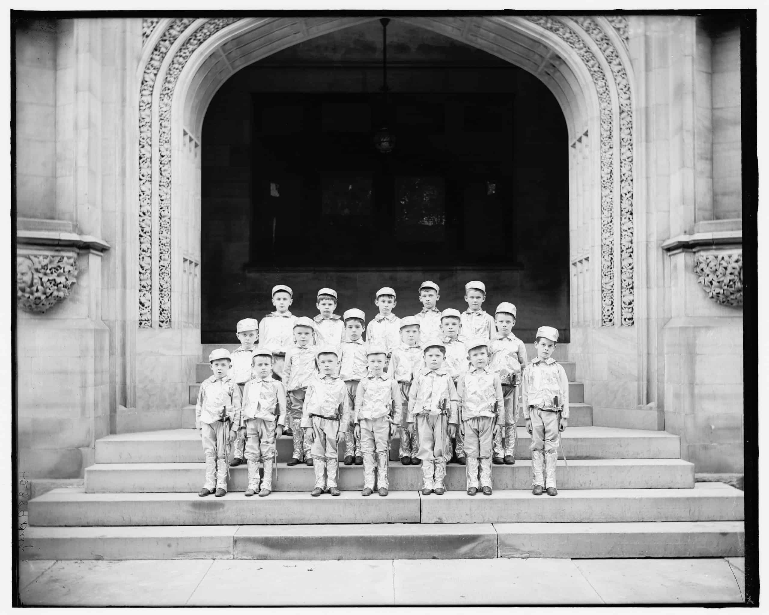 School boys. Detroit Publishing Co., between 1900 and 1905